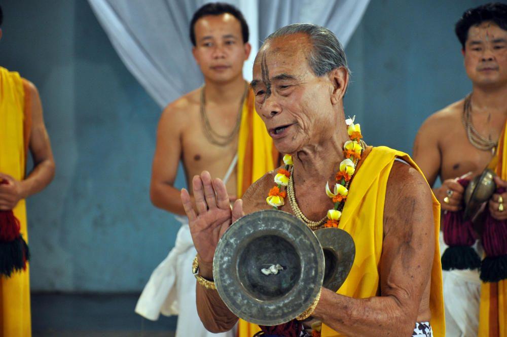 India - Sankirtana, cantos danzas y musica de tambores de Manipu.