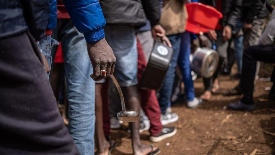Canarias hace un cribado a 600 migrantes en Las Raíces tras un positivo de covid