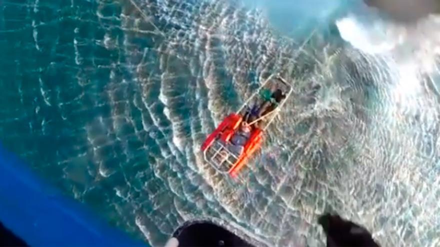Espectacular rescate de un pescador en Valdoviño