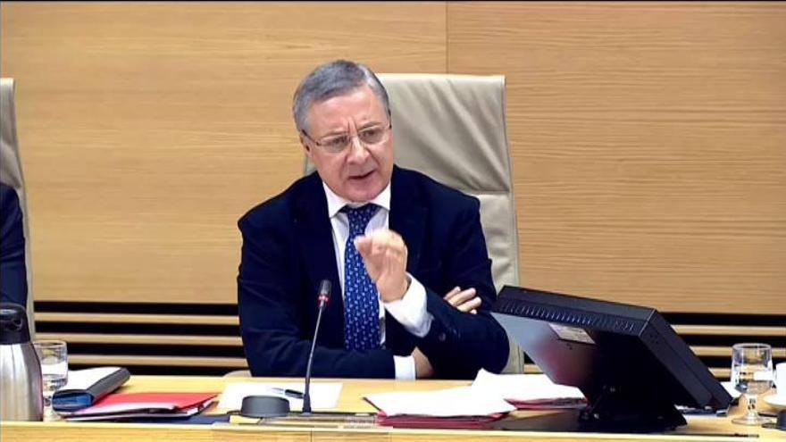 """Blanco defiende que """"no hubo prisas"""" en la puesta en servicio de la línea entre Santiago y Ourense"""