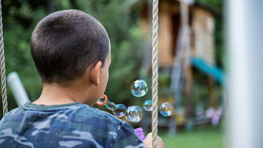 Pobreza, enfermedad, cárcel o drogas alejan a casi 3.000 menores de sus hogares