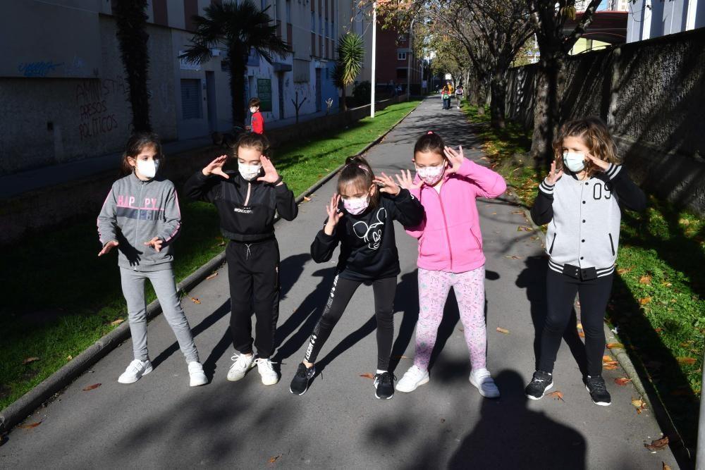 Protesta y baile en el CEIP Ramón de la Sagra