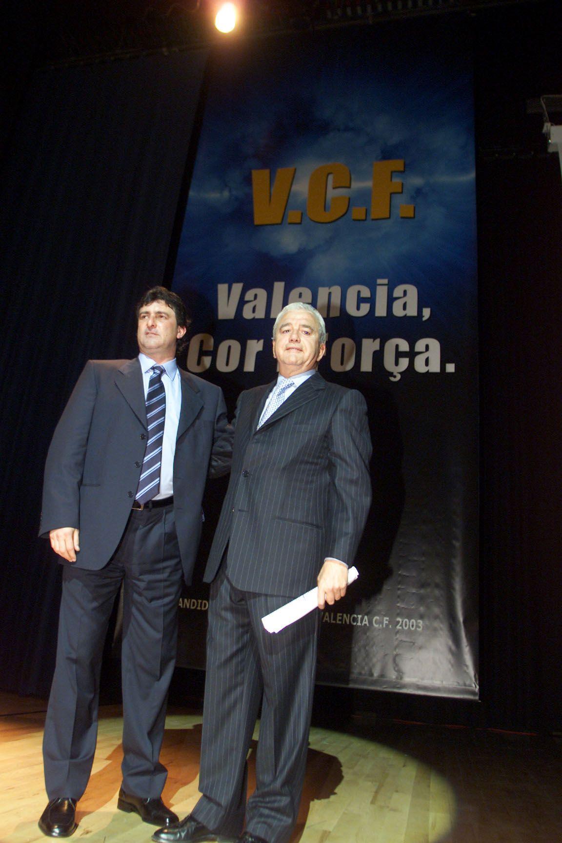 """El álbum de fotos del """"idilio"""" de  Kempes y Valencia"""