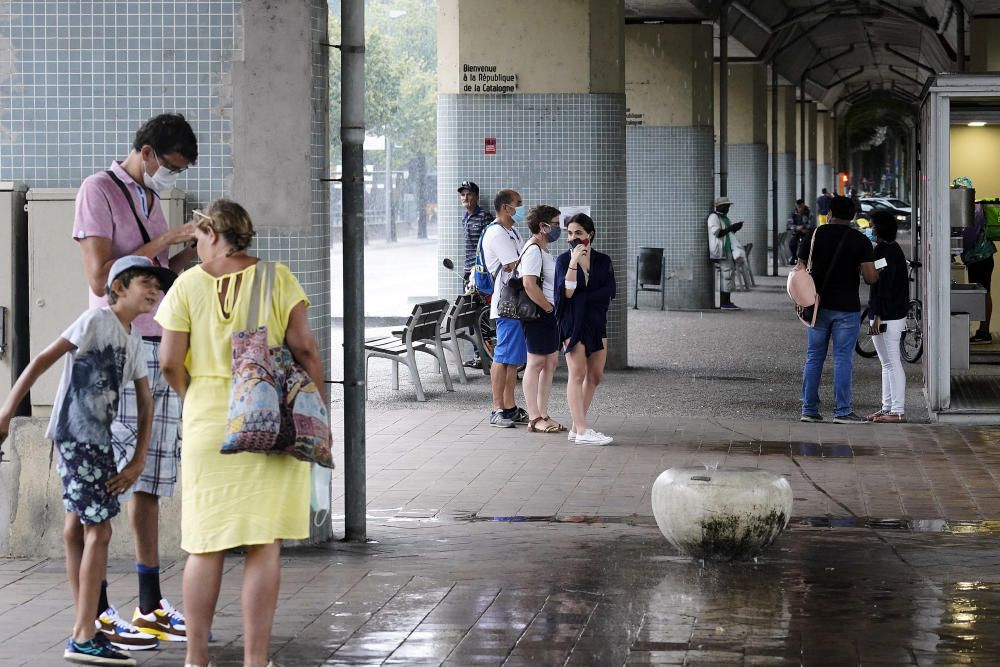 Un ruixat intens deixa més de 20 litres en pocs minuts a Girona