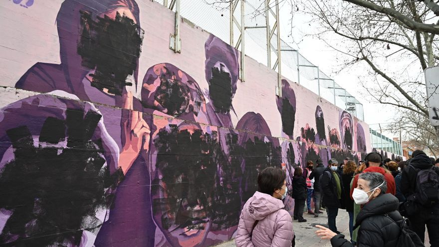 Destrozan un mural feminista en Madrid