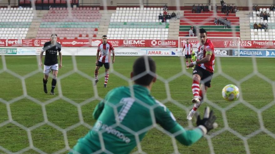 Victoria del Zamora CF ante la Cultural Leonesa B sin sorpresas