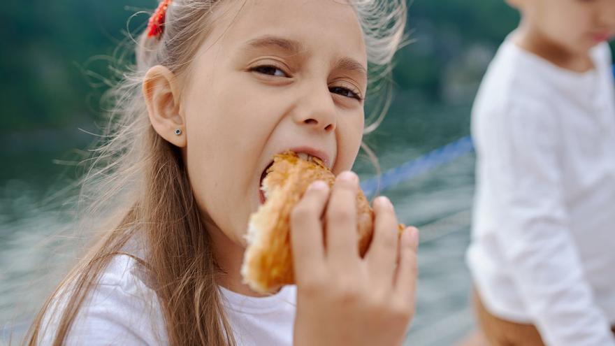 Consum vol prohibir la publicitat de dolços dirigida a menors de 16 anys