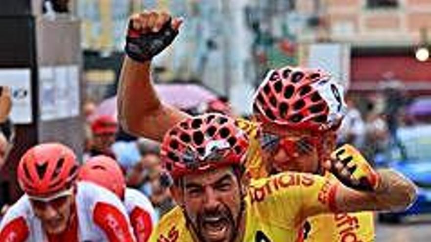 Ignasi Àvila i Joan Font creuen la meta setens  a la cursa per tàndems