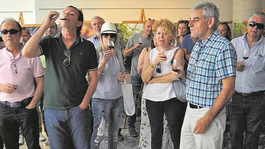 La Fira del Vi de les Useres ofrece una decena de catas gratis de caldos locales