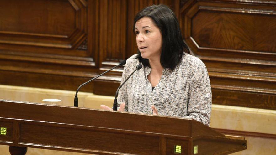 El TSJC cita a declarar Adriana Delgado i altres exmembres de la Mesa per permetre debatre sobre monarquia i l'autodeterminació