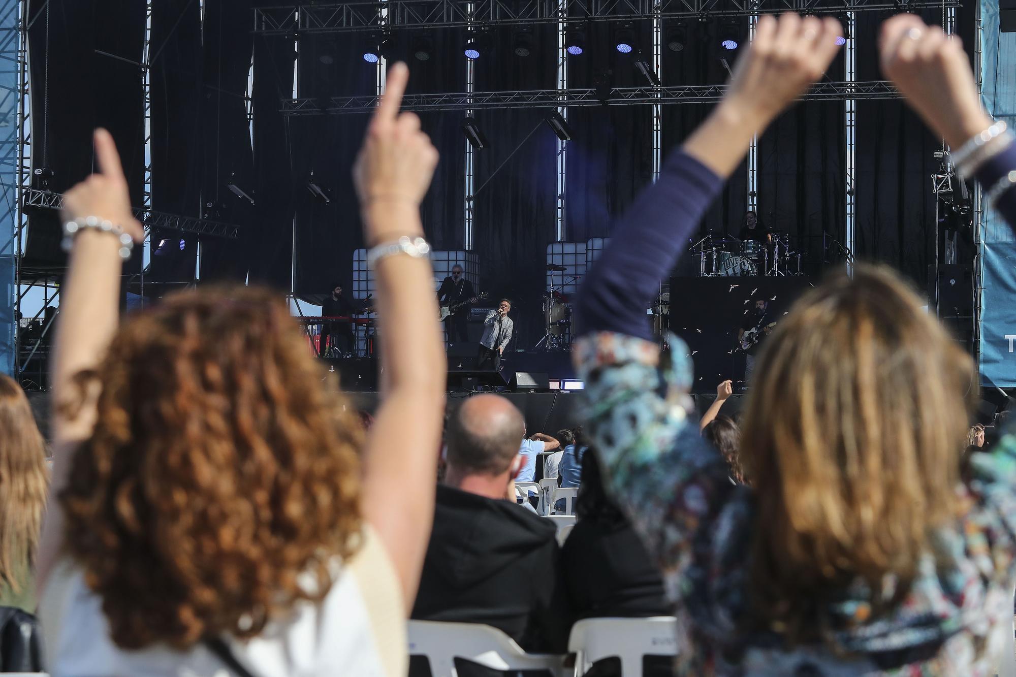 Así ha sido el concierto el concierto de Love of Lesbian en La Marina