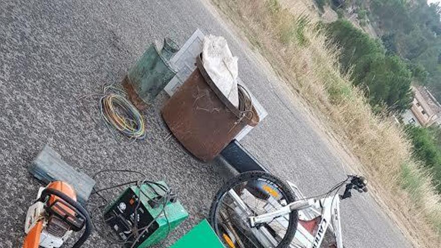 Tres detenidos en una furgoneta con objetos robados