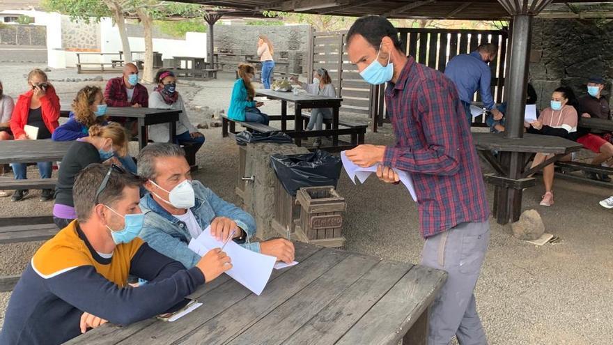 Talleres para crear huertos comunitarios en el municipio de Tías