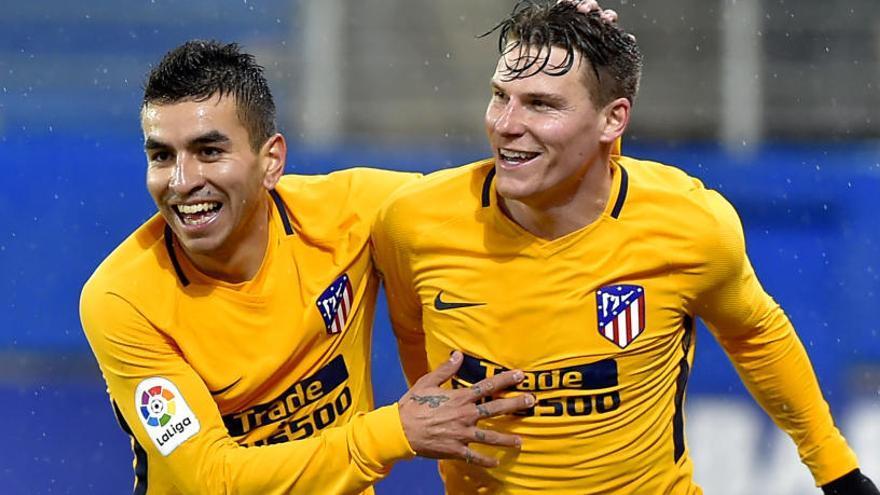 El Atlético se impone por la mínima al Eibar