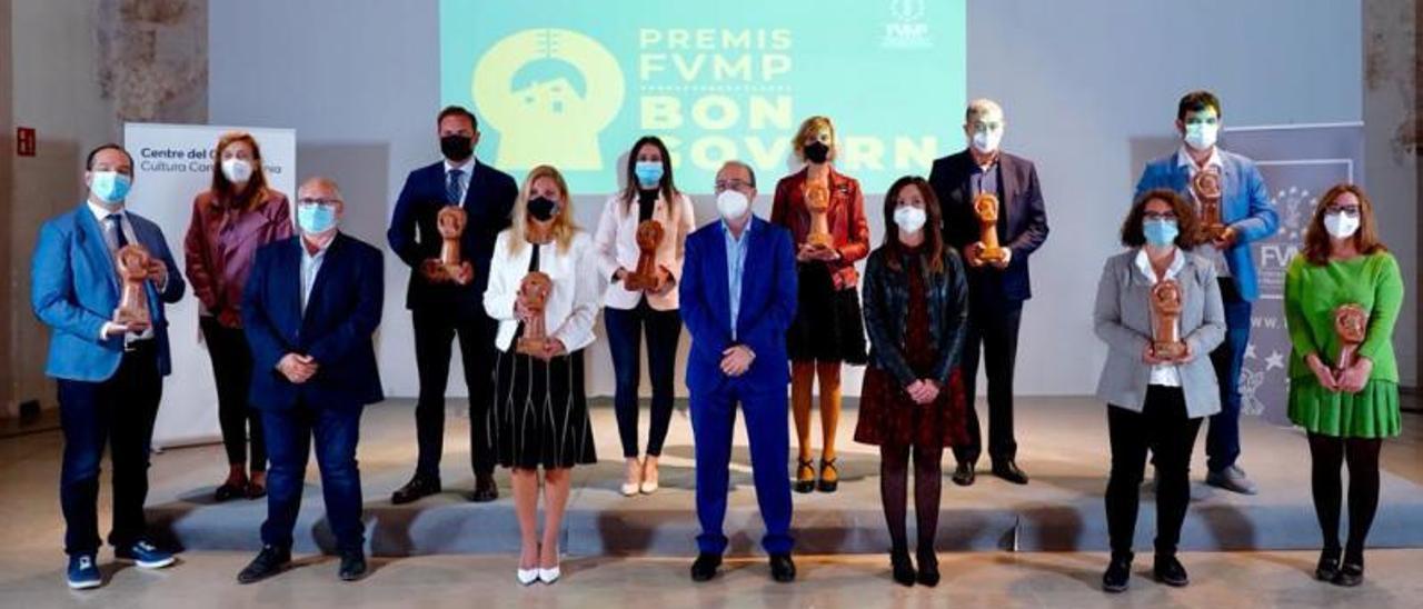 Foto de todos los premiados por la FVMP, entre ellos Aldaia, Godella y Silla.   FVMP
