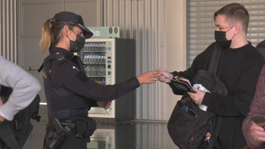 Diez mil policías y 500 controles en la operación de Semana Santa para frenar la expansión del virus