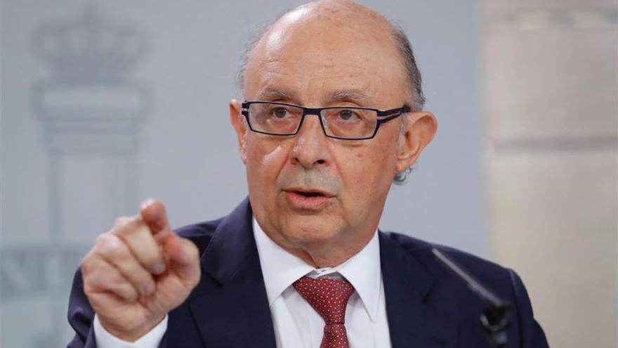 Hacienda investigará de oficio a quienes aparezcan en los 'Papeles del paraíso'