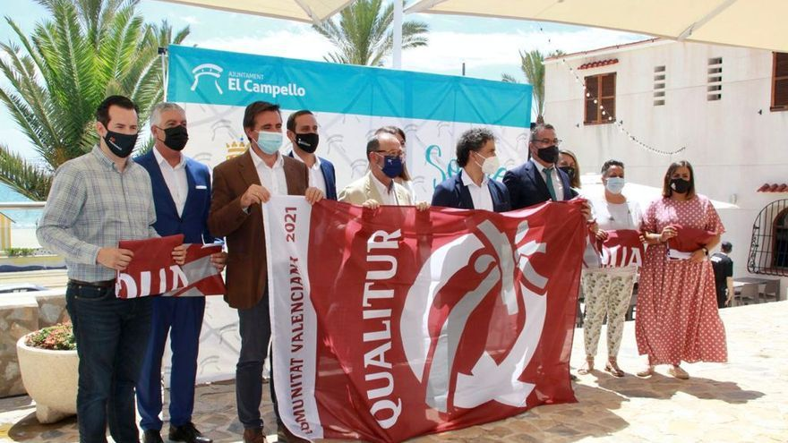 El Campello acoge la entrega de las banderas Qualitur a la excelencia de las playas de la provincia de Alicante