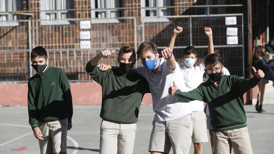 """Vuelven los recreos sin burbuja: """"Teníamos muchas ganas de juntarnos"""", aseguran los alumnos"""
