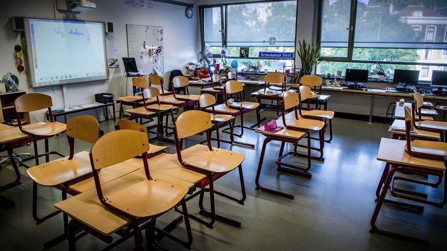 Los alumnos de 7 aulas reciben clase a distancia en Extremadura