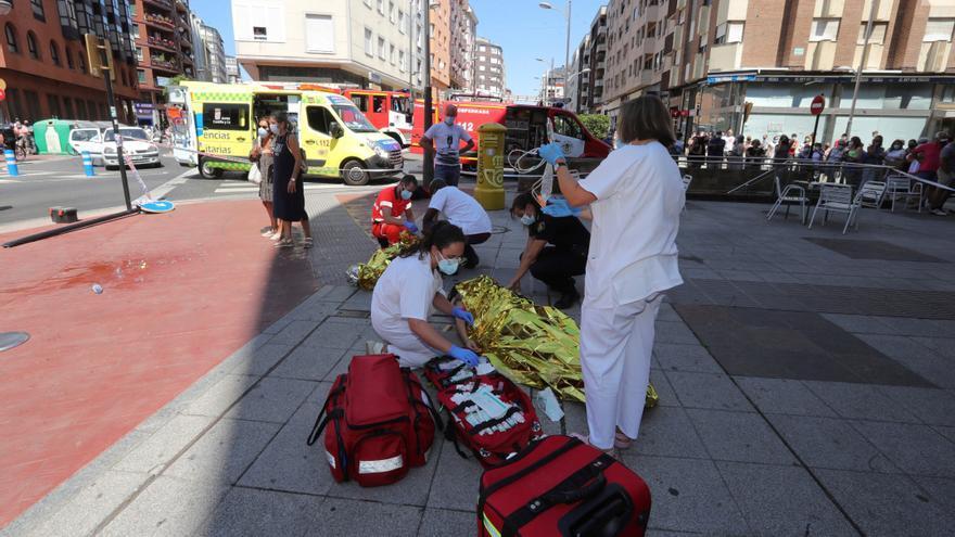 Una mujer muerta  y cinco heridos al arrollar un coche una terraza de bar en Ponferrada