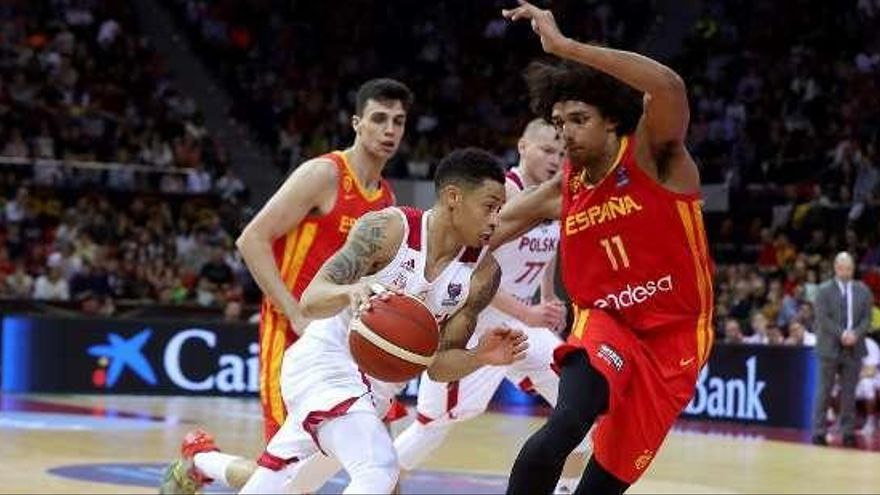 La selección española se complica la clasificación para el Eurobasket