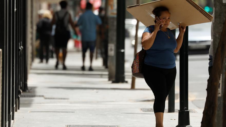 Málaga seguirá en alerta amarilla este sábado por el terral