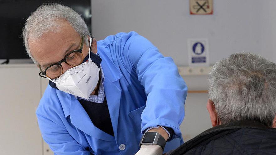 El concejal de Salud del Ayuntamiento de Murcia también se vacuna contra la Covid-19