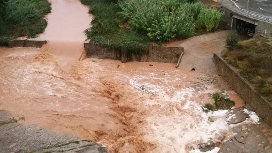 Gairebé 25.000 abonats sense llum a causa del temporal, uns 800 a Moià