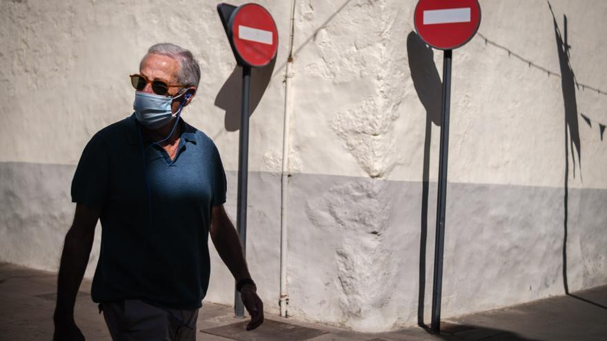 Tenerife registra tres fallecidos y 45 casos Covid este viernes