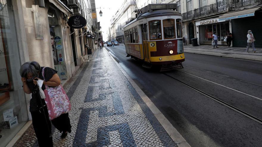 Portugal prohíbe grupos de más de 10 personas