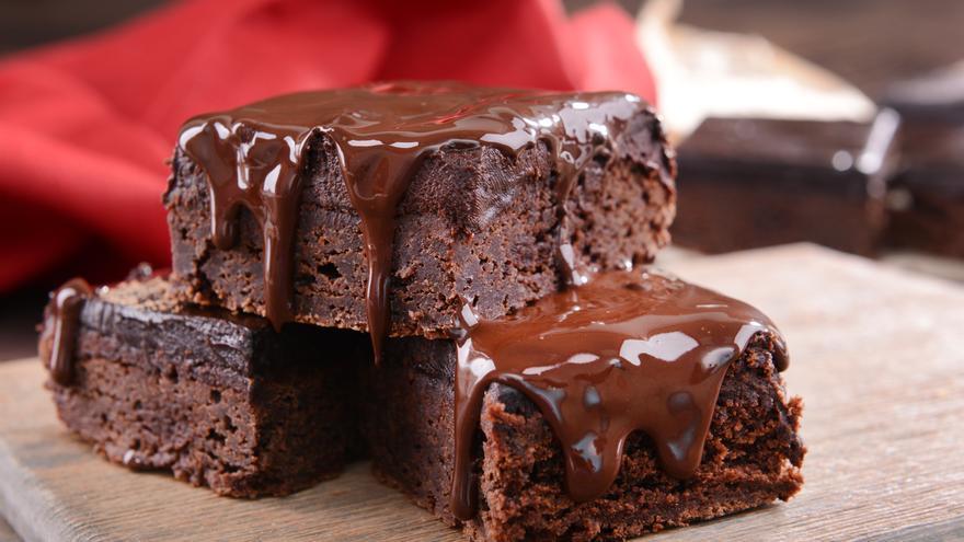 Brownie de chocolate sencillo y sabroso