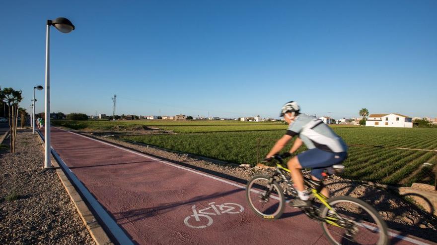 Todas las rutas ciclistas de la Comunitat Valenciana que no puedes perderte este verano