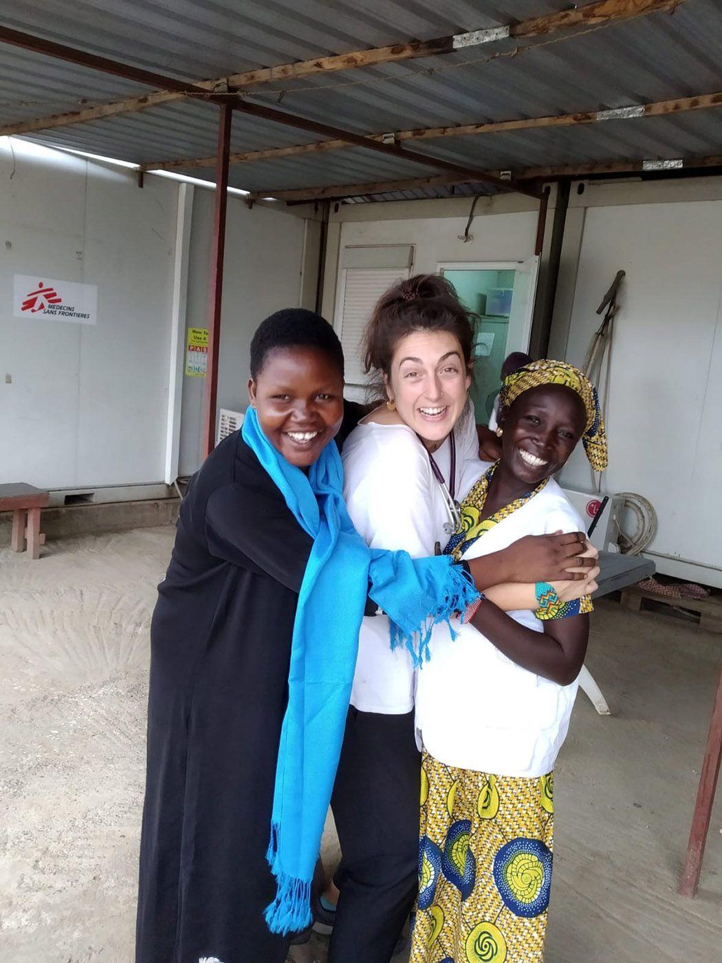 Luisa Roade en una de sus misiones en el extranjero.  Cedida.jpg