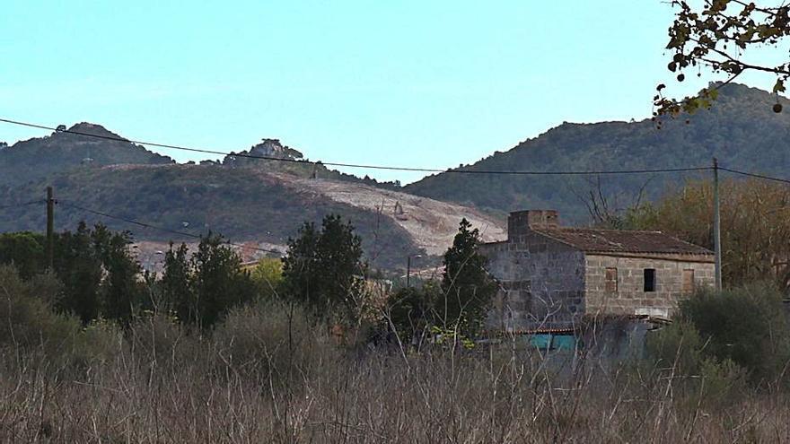 Piden una inspección en la cantera del Puig d'en Móra