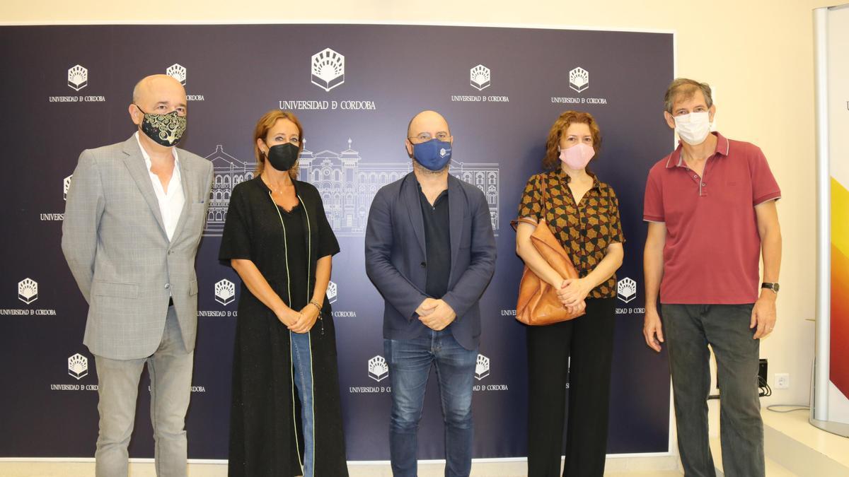Joaquín Roses, Marián Aguilar, Luis Medina, Rosa Illanes y Emilio Luque, en la presentación de actividades.