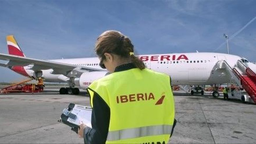 Iberia responde a Garzón que sí informa de los reembolsos