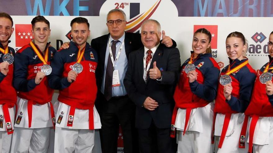 España, plata por equipos en la modalidad de kata