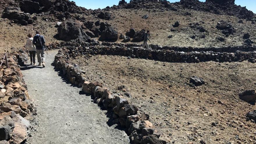 Tenerife recuerda a la población que solo se puede transitar por senderos homologados