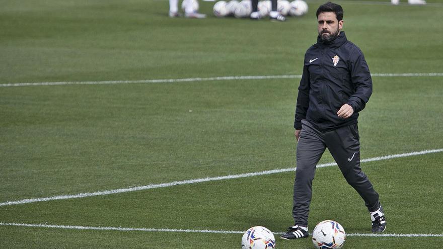 La receta de David Gallego: el entrenador del Sporting descarta más consecuencias poscovid y reclama optimismo