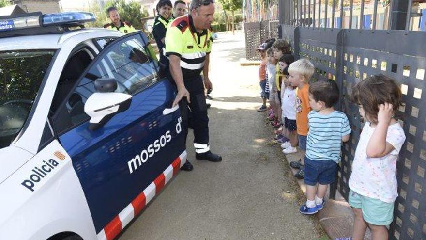 El minimosso que ensenya trànsit a infants