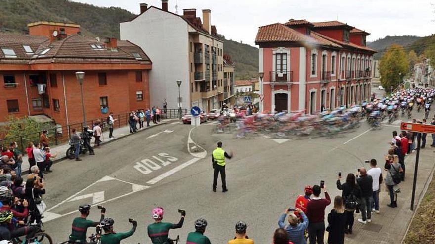 Etapa 14 de la Vuelta a España: El castigo a Direct Energy por no coger la fuga calienta La Vuelta