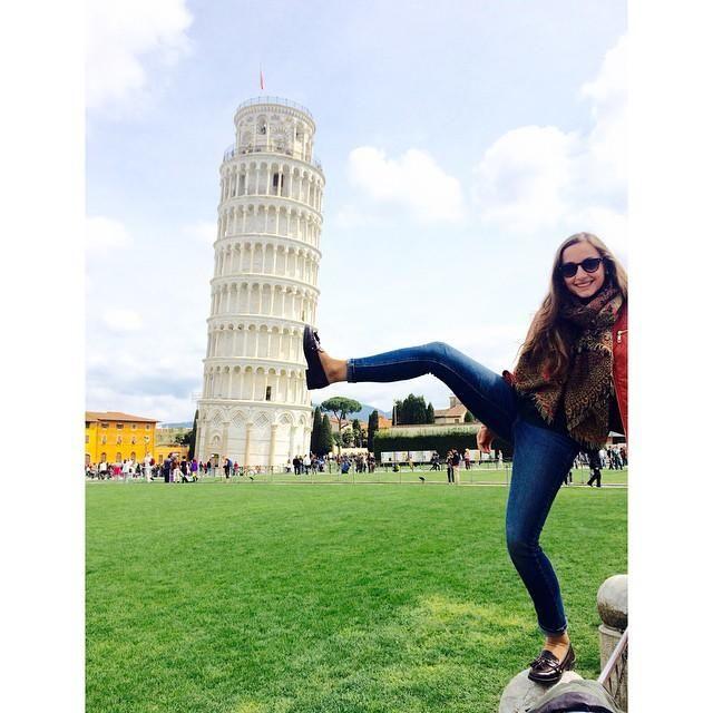 Durante un año vivió en Módena y entre sus viajes no dejó escapar la visita a Pisa... y la foto al uso.