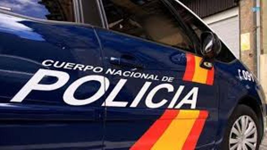 Detenido por robar en un bar de Las Palmas de Gran Canaria tras romper la puerta de cristal con una piedra