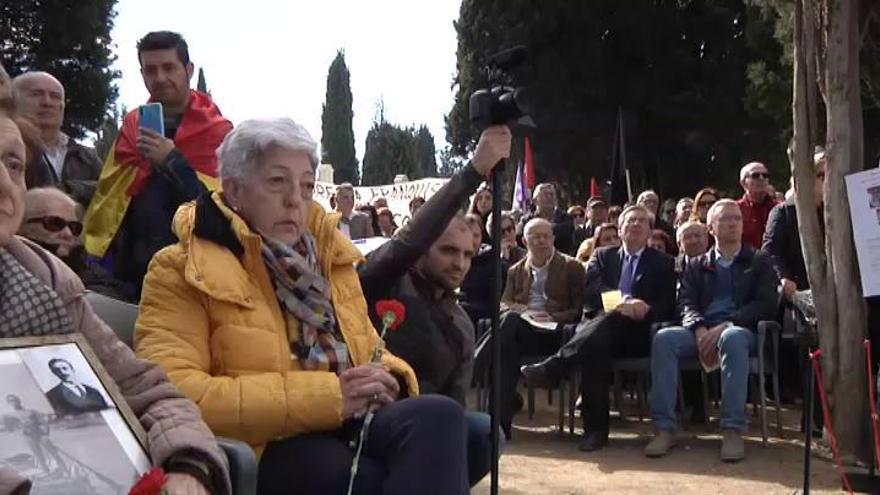 Valladolid da sepultura a los restos de 245 personas víctimas del franquismo
