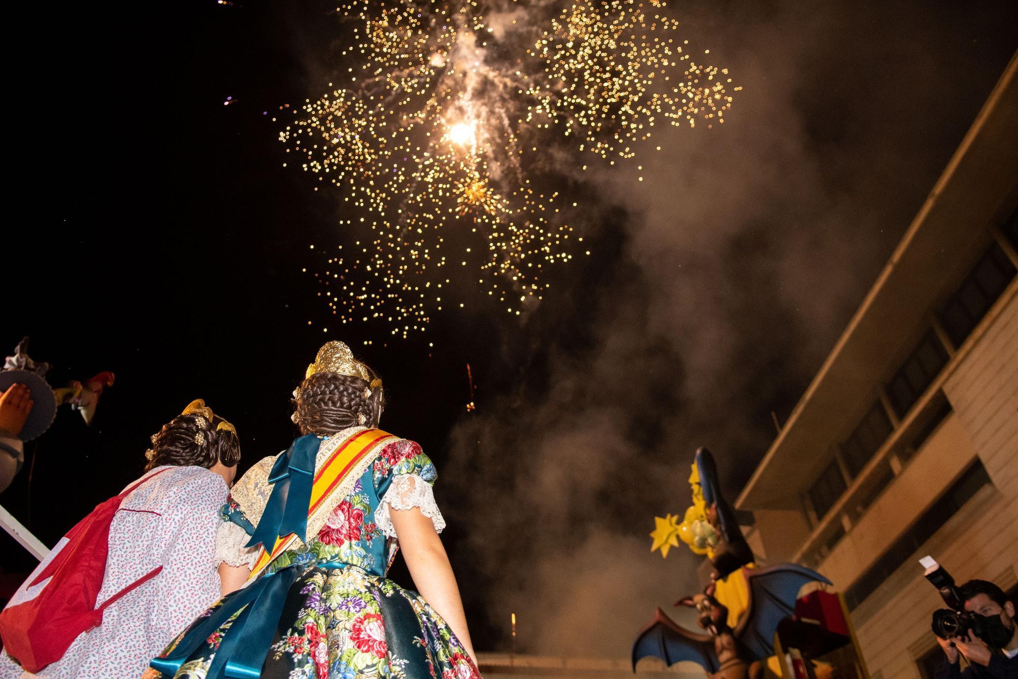 Los mejores momentos de una 'Nit de la Cremà' para el recuerdo en Burriana