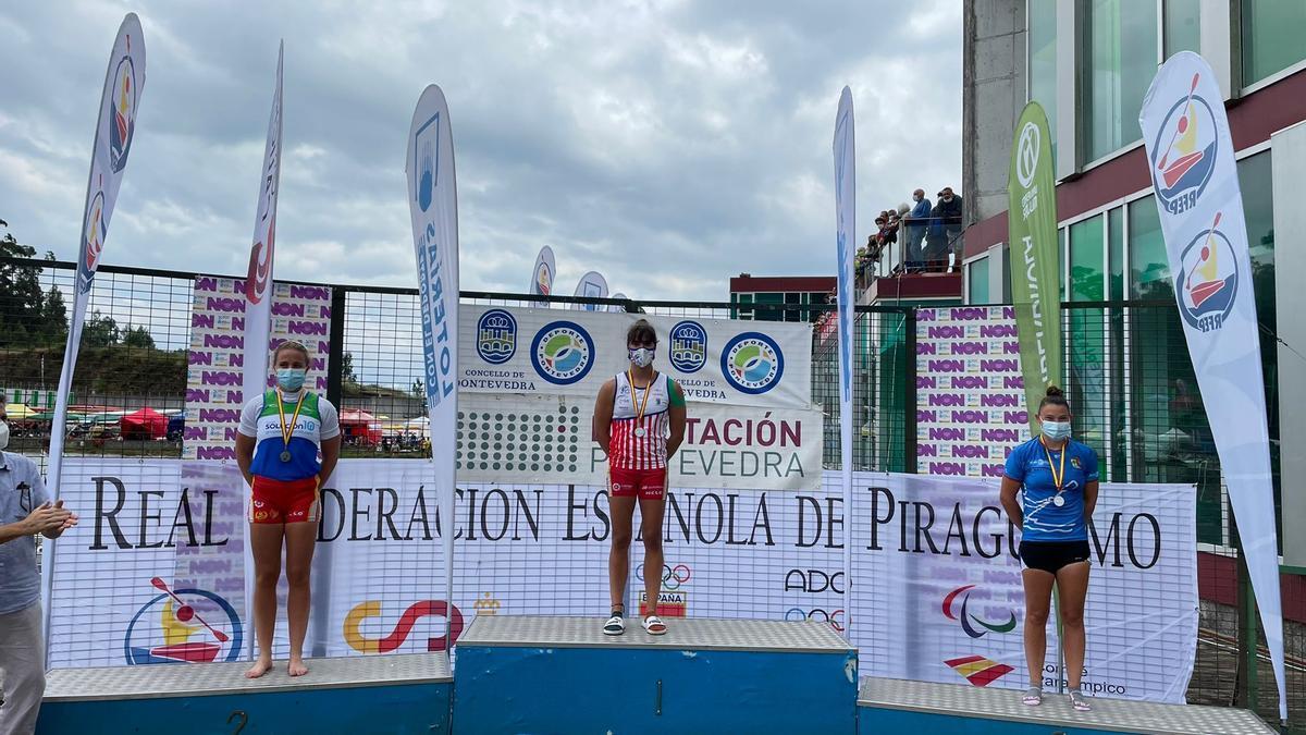 Imagen del podio de Mirella Vázquez en Verducido