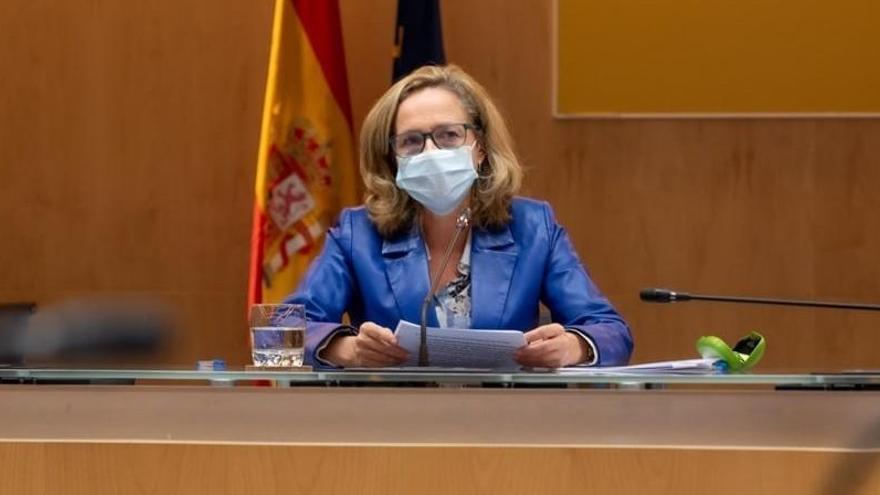 """Calviño asegura que la decisión del Gobierno sobre el SMI será """"responsable"""""""