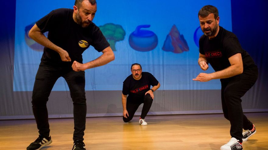 Doble Check, teatro de improvisación digital