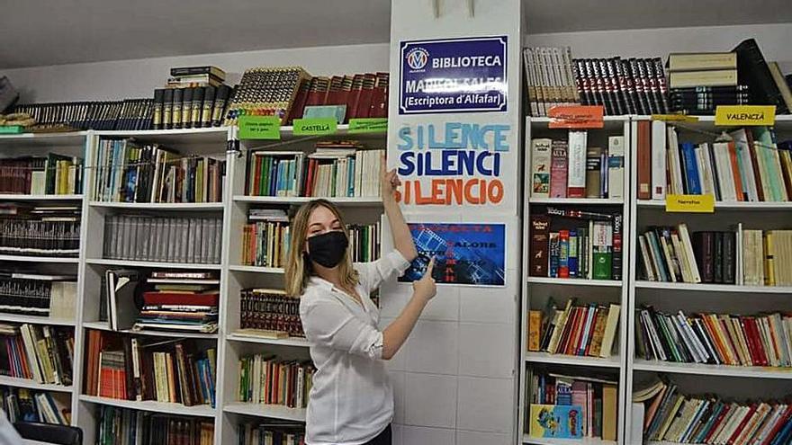 Marisol Sales da nombre a la biblioteca de un centro de Alfafar